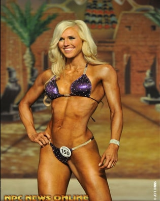 Want to Graduate from Local Competitions and Get Your IFBB Pro Card? Follow These 4 Surefire Tips