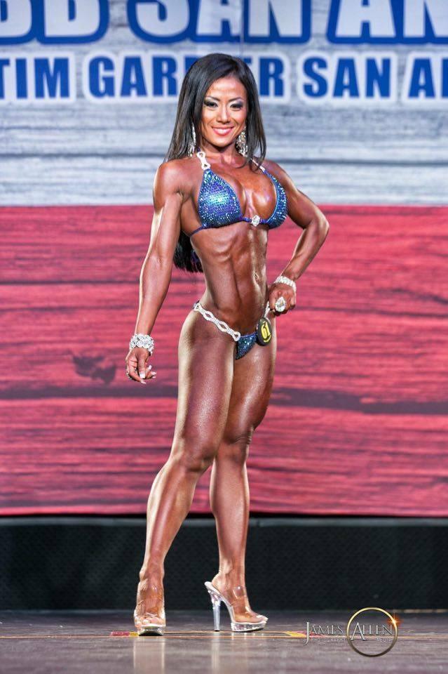 IFBB PRO Joanna Tesaraski